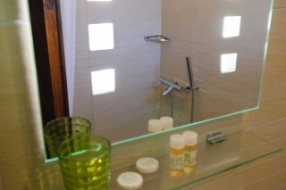 accommodation elli hotel bathroom products