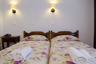 accommodation elli hotel two single beds